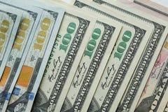 Macro dichte omhooggaand van het gezicht van Ben Franklin ` s op de dollar van de V.S. 100 Royalty-vrije Stock Fotografie