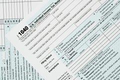 Macro dichte omhooggaand van IRS van 2017 vorm 1040 Stock Afbeelding