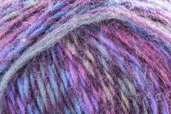 Macro filo strutturato del filato di lana di colore Fotografie Stock Libere da Diritti