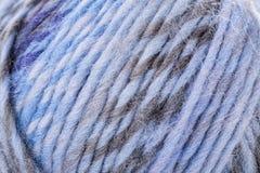 Macro filo strutturato del filato di lana di colore Fotografie Stock