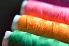 Macro fond de fil de couture coloré Image libre de droits