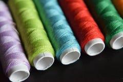 Macro fond de fil de couture coloré Photographie stock