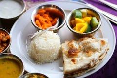 Macro foto delle legumiere indiane deliziose con curry Fotografie Stock
