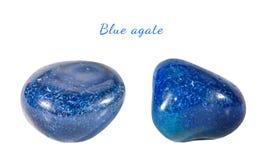 Macro fucilazione della pietra preziosa naturale Agata blu minerale, Brasile Oggetto isolato su una priorità bassa bianca Fotografia Stock Libera da Diritti