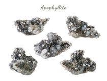 Macro fucilazione della pietra preziosa naturale Apophyllite minerale crudo Oggetto isolato su una priorità bassa bianca Fotografie Stock Libere da Diritti