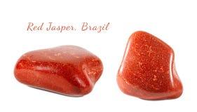 Macro fucilazione della pietra preziosa naturale Diaspro rosso minerale, Brasile Oggetto isolato su una priorità bassa bianca Fotografia Stock Libera da Diritti