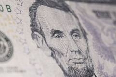 Macro novo americano da cédula de cinco dólares Foto de Stock