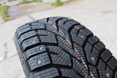 Macro pneus d'hiver de voiture de tir Photos libres de droits
