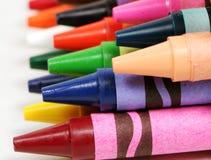 Macro profiel dat van kleurrijke kleurpotloden is ontsproten Royalty-vrije Stock Afbeeldingen