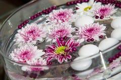 Macro projectile des décorations de table de fleur Photo libre de droits