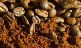 Macro projectile des grains de café Image stock