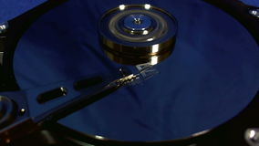 Macro punto di vista dei movimenti capi del disco rigido video d archivio