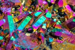 Macro quarzo di titanio di pietra minerale, fiamma Aura Quartz su un briciolo fotografia stock