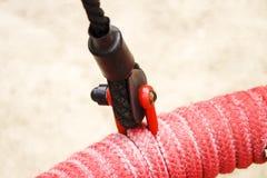 Macro rossa della corda di sicurezza, primo piano fotografia stock libera da diritti