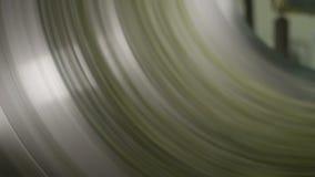 Macro rotation de centrifugeuse pour sécher la laitue sur la chaîne de production banque de vidéos