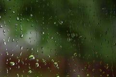 Macro tir de pluie sur le vitrail images libres de droits