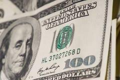 Macro van 100 Amerikaanse dollars wordt geschoten die Royalty-vrije Stock Foto