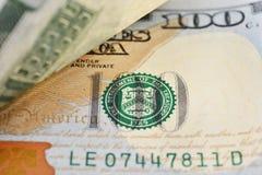 Macro van een 100 Amerikaanse dollar wordt geschoten die Stock Fotografie