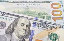 Macro van een 100 Amerikaanse dollar wordt geschoten die Stock Afbeeldingen