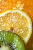 Macro van een Citroen, Kiwi, en een Sinaasappel royalty-vrije stock foto