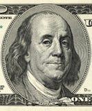 Macro van een dollar die 100 wordt geschoten