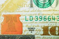 Macro van een dollar die 100 wordt geschoten Stock Afbeelding