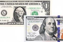 Macro van een nieuwe 100 dollarrekening en één dollar wordt geschoten die Royalty-vrije Stock Foto's