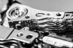 Macro van open harde schijfaandrijving die wordt geschoten Stock Afbeeldingen