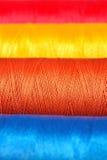 Macro Varicolored del filo delle bobine Fotografia Stock