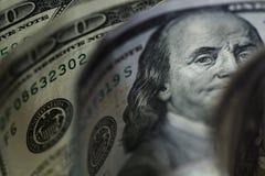 Macro vicina su del fronte del ` s di Ben Franklin sugli Stati Uniti 100 dollari immagini stock libere da diritti