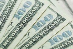 Macro vicina su del fronte del ` s di Ben Franklin sugli Stati Uniti 100 dollari fotografia stock