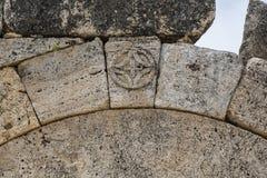 Macro vista del portone bizantino del nord in Hierapolis, Denizli Fotografie Stock