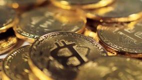 Macro vista su Bitcoin BTC Concetto virtuale di Cryptocurrency di Internet video d archivio