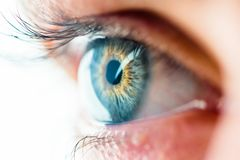 Macro vue d'oeil humain photo stock