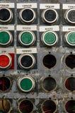 Macro vue des boutons colorés sur la vieille machine Photographie stock libre de droits
