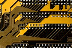 Macrobeeld van gele gedrukte kringsraad - PCB-textuur Stock Afbeeldingen