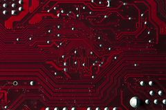 Macrobeeld van rode gedrukte kringsraad - PCB Stock Afbeeldingen