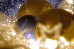 Macrodetail van verscheidene Kerstmisballen stock afbeeldingen