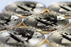 Macromening van de glanzende muntstukken van Bitcoin souvenire Royalty-vrije Stock Foto