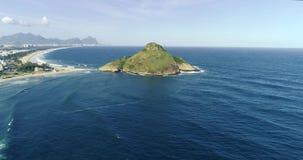 Macumba strand i Rio de Janeiro, Brasilien arkivfilmer