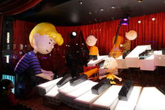 Macy's Holiday Windows 2015:  The Peanuts Gang 16 Royalty Free Stock Photography