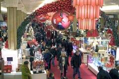 Macy's-Kaufhaus nach innen lizenzfreie stockfotografie