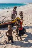 Madagassiska barn på stranden Fotografering för Bildbyråer
