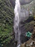 Madakaripura-Wasserfall lizenzfreies stockfoto