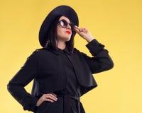 Madame élégante In Sunglasses de mode Photo libre de droits