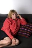 Madame aînée au téléphone Photographie stock