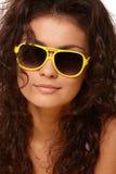 Madame en verres jaunes image libre de droits