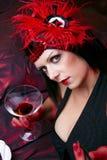Madame In Flapper Costume Flirting de cabaret Image stock