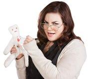 Madame offensée avec la poupée de vaudou photographie stock