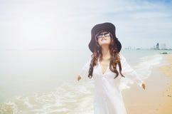 Madame sur la plage Photos libres de droits